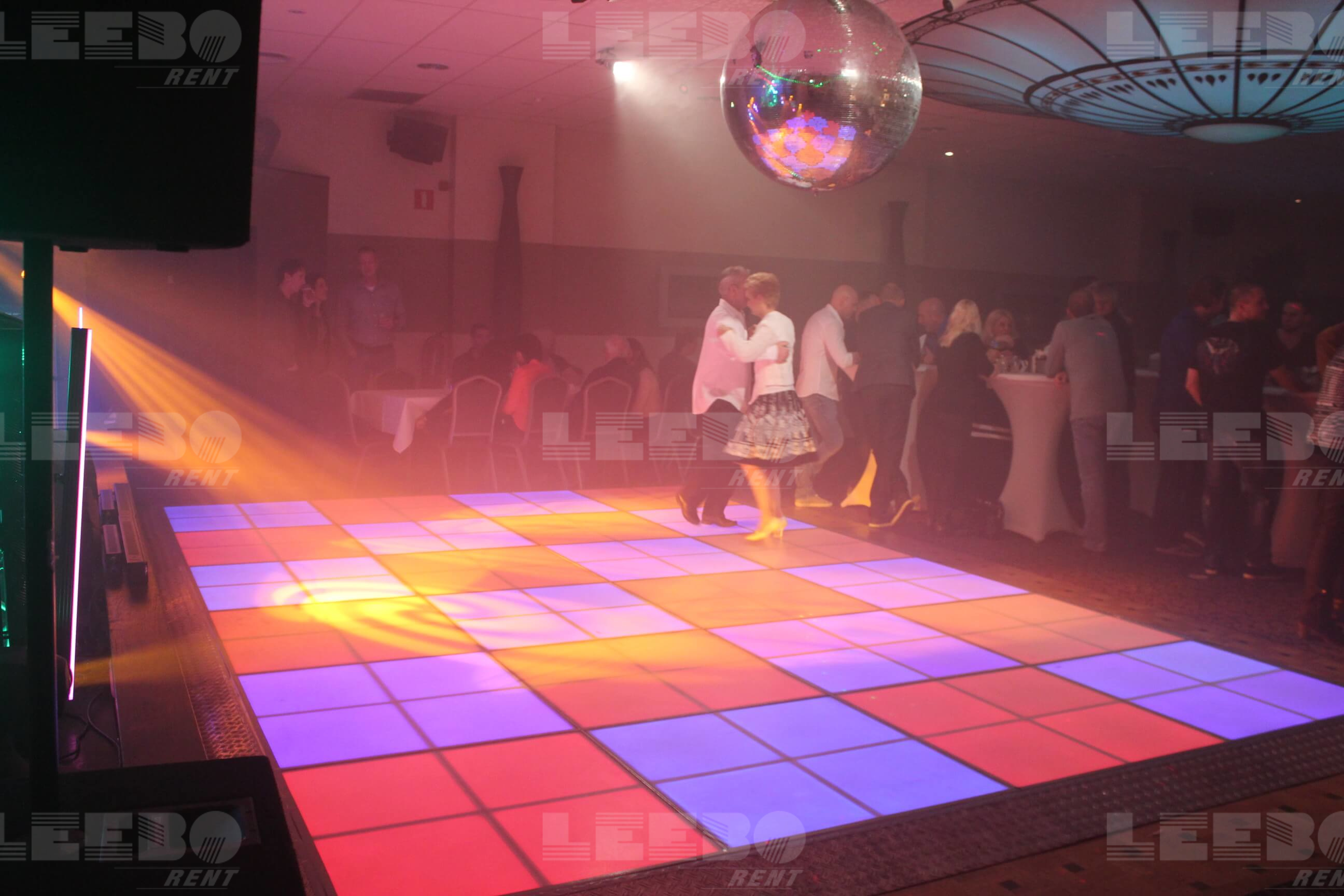 Saturdat Night fever Zoete Inval met Leeborent en DJ Disco